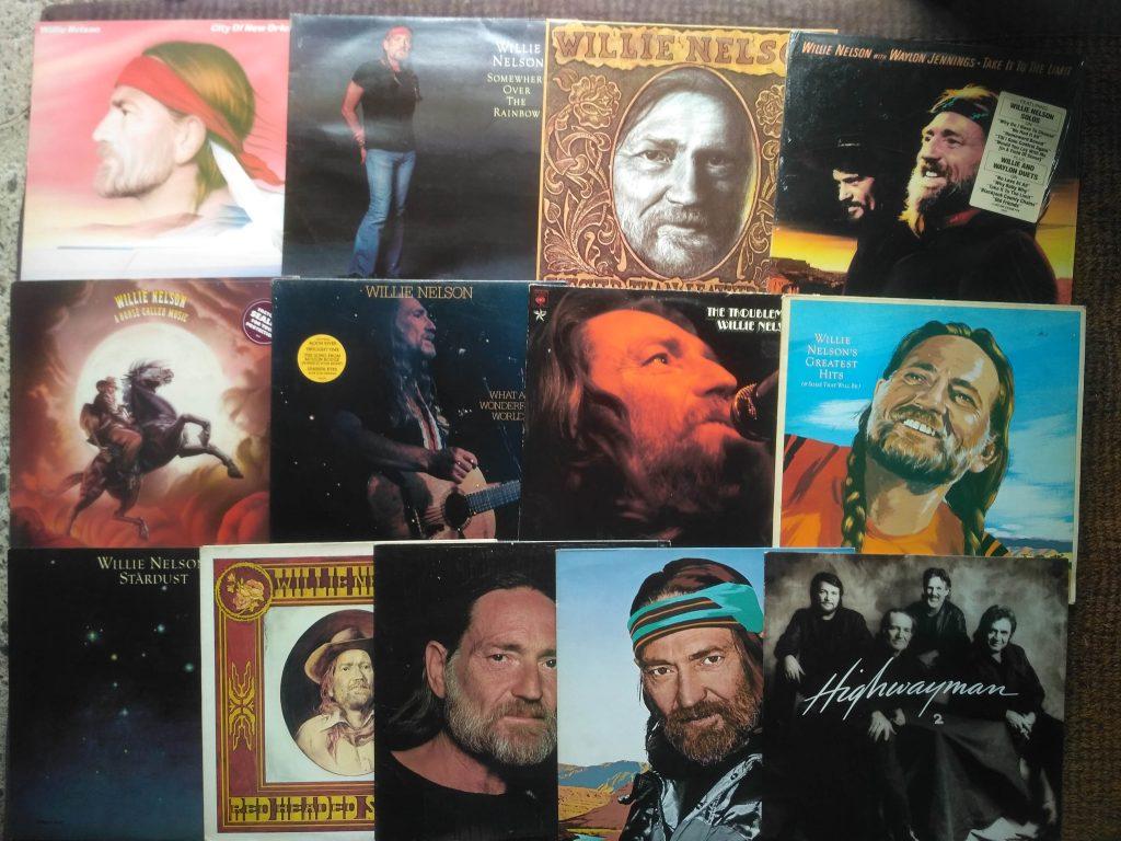 Willie Nelson Vinyl LPs bei BEST MUSIC Schallplattenladen Twistetal-Twiste / Nordhessen Korbach Bad Arolsen Edersee Willingen